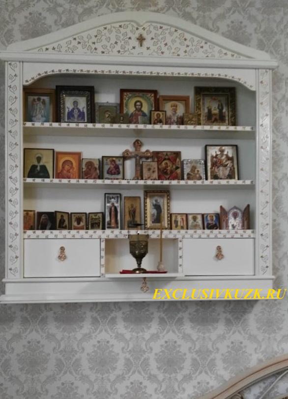 домашний иконостас с откидными полочками и местом для лампадки арт. 2101132